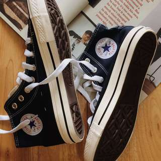Converse navy blue high cut chucks