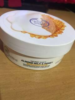 JUAL RUGI body butter almond milk & honey