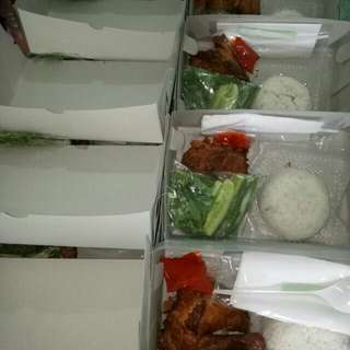 Nasi Ayam Kremes Besar