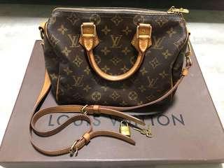 Authentic preloved Louis Vuitton Bandouliere 25