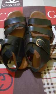 Parisian sandals on sald