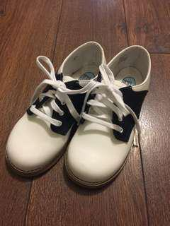 NEW Boys black and white shoes (US10/EUR27/UK9)