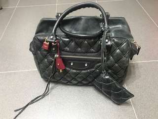 Balenciaga 特別版 (凌格)黑色羊仔皮 (絕版)Chanel style