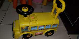 Toy mini bus for toddler