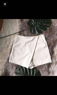 White skort / shorts / skirt
