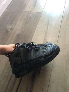 Air shoes brand new size 6