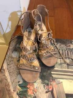 🚚 Foever 21 綁帶高跟涼鞋37
