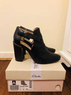 Clark Crumble Sugar shoes, sz35.5, leather, used only once, color: Black.