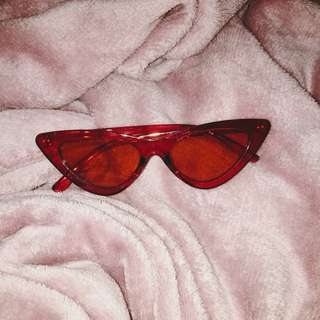 Red Tinted Sunnies