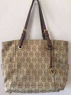 👜Authentic MK large tote bag