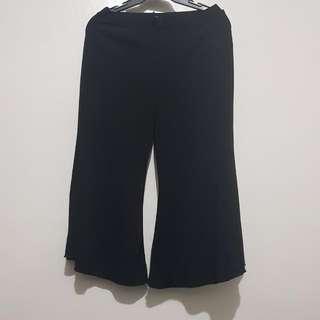 Capri/Skirt Style Pants