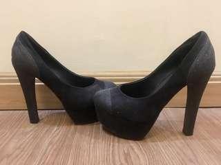 Black Platform Pump Heels