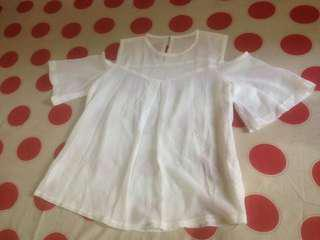 Off shoulder broken wrhite blouse