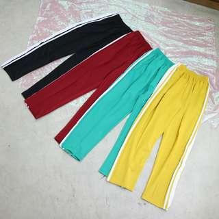 兩側線條造型中性休閒長褲