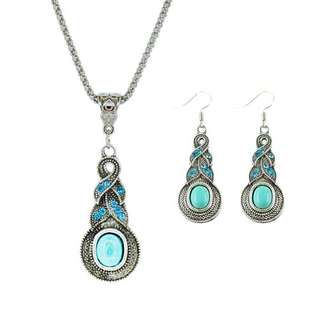 BOHEMIAN EARRINGS AND NECKLACE