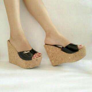 Sandal Wedges Cantik 1109