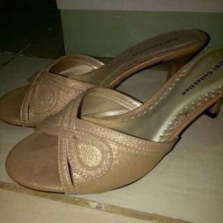 Used but not abused gibi shoes sandal