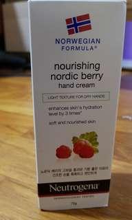 BNIB Norwegian Formula Nourishing Nordic Berry Hand Cream