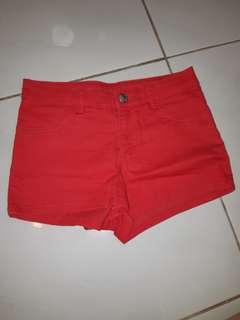 H&M red short pants