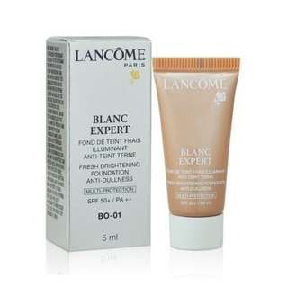 Lancome Blanc Expert Foundation mini trial size