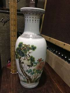 舊景德鎮'乾隆年制'款 花鳥花瓶