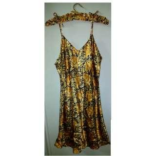 Black & gold nightie with hanger