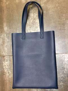 Classic Tote Bag in Navy Blue