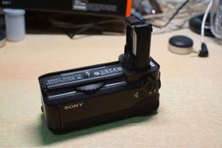 Sony VG-C1EM vertical battery grip
