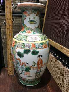 舊景德鎮制 五彩開窗人物花瓶