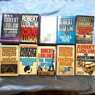 Robert Ludlum Books Bundle (10 pcs)