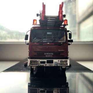 1:76 IVECO 37M 消防鋼梯車 F151