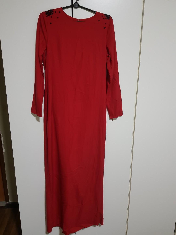 Lubna Back Drape Long Dress Red Size M Women S Fashion Muslimah Fashion On Carousell