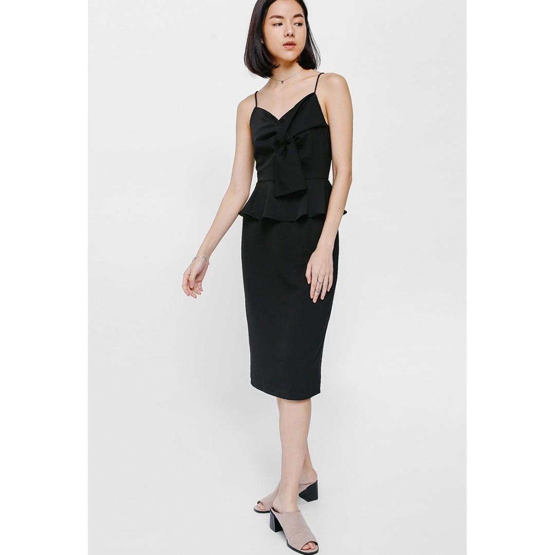 b97f86fa7ed Preloved LB Love Bonito Qellana Twist Knot Peplum Midi Dress ...