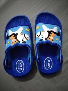 Blue slipper unisex.
