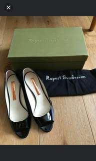 Rupert Sanderson size 36.5 black patent open toe wedges shoes