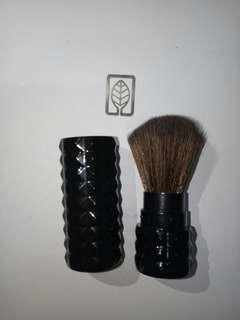 2.5 inches Portable ✈ Make Up Brush Wholesaler