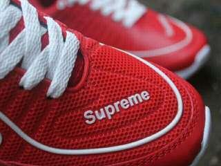 Sepatu sport supreme