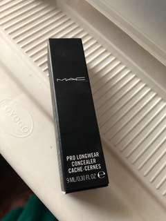 Mac Pro Longwear Concealor