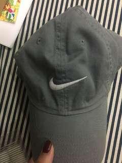 Nike灰色老帽