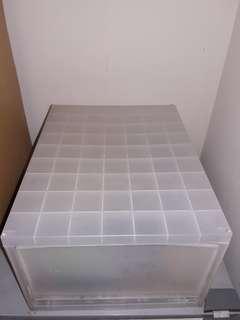 Container 1 laci