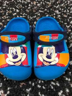 Crocs toddler mickey mouse clogs