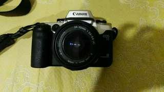 Canon EOS 55 Camera (SLR Camera)