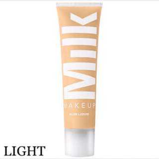🚚 Instock | Milk Makeup Blur Liquid Foundation in Light