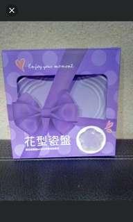 造型瓷盤(紫色花型瓷盤