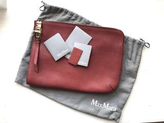 99 % NEW MAX MARA LEATHER CLUTCH BAG IN RED original retail priced $3400