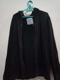 Jaket uniclo ory harga beli 500rb