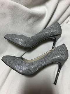 🚚 銀色亮片高跟鞋