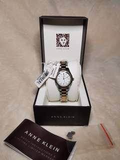 NEVER BEEN WORN ANNE KLEIN FROM U.S.