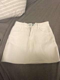 🚚 米白牛仔短裙