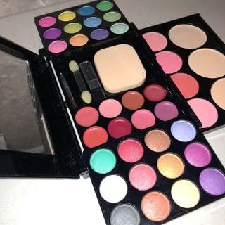 ADS All-In-One Make Up Palette